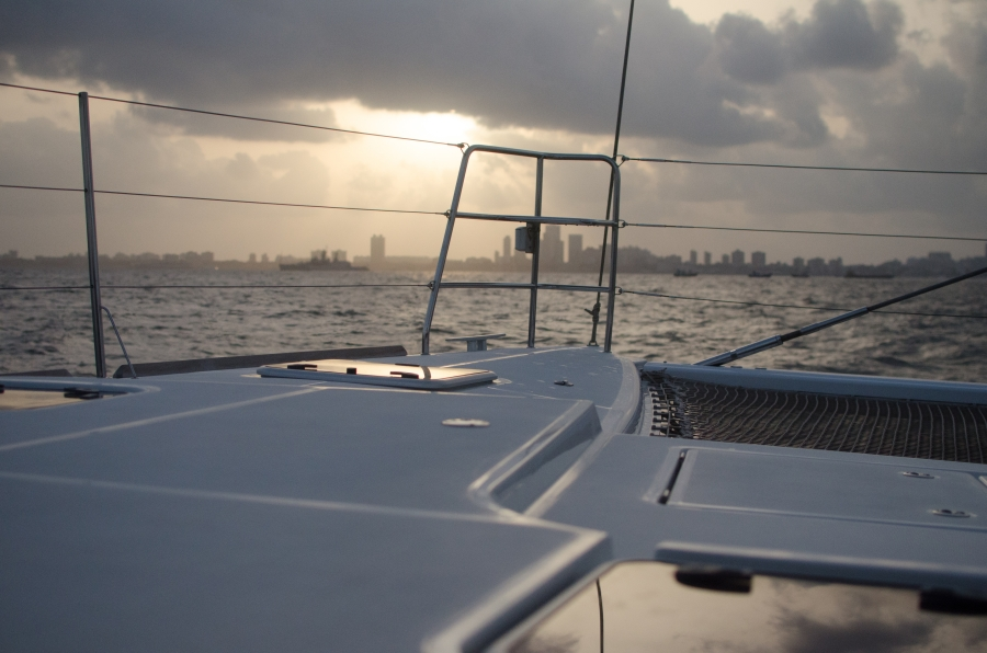 wine appreciation on a luxury sailing yacht 5th may 2012 at mumbai luxus blog. Black Bedroom Furniture Sets. Home Design Ideas